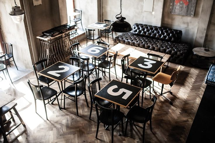 On the Grid :: Cafe Mitte, Innere Stadt, Graz