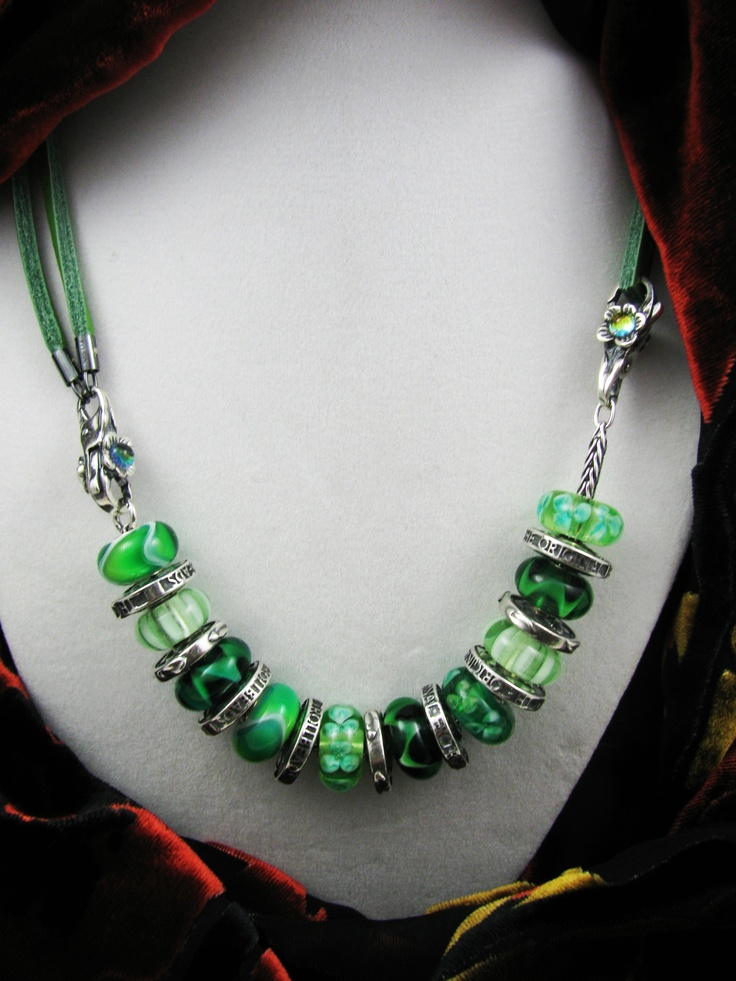 #Trollbeads - Lovely in green This is not my Trollbead design, but I like the idea.