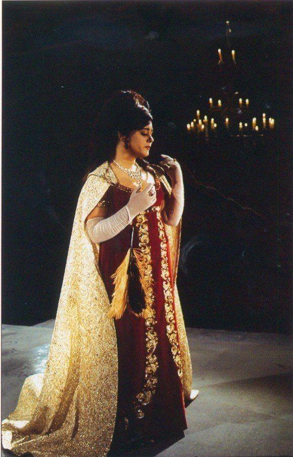 "Maria Bieşu in the party Floria Tosca in the Opera ""Tosca"" by Giacomo Puccini. Debuted in 1962. Мария Биешу в партии  Флории Тоски  в опере «Тоска» Джакомо Пуччини. Дебютировала в 1962 г."