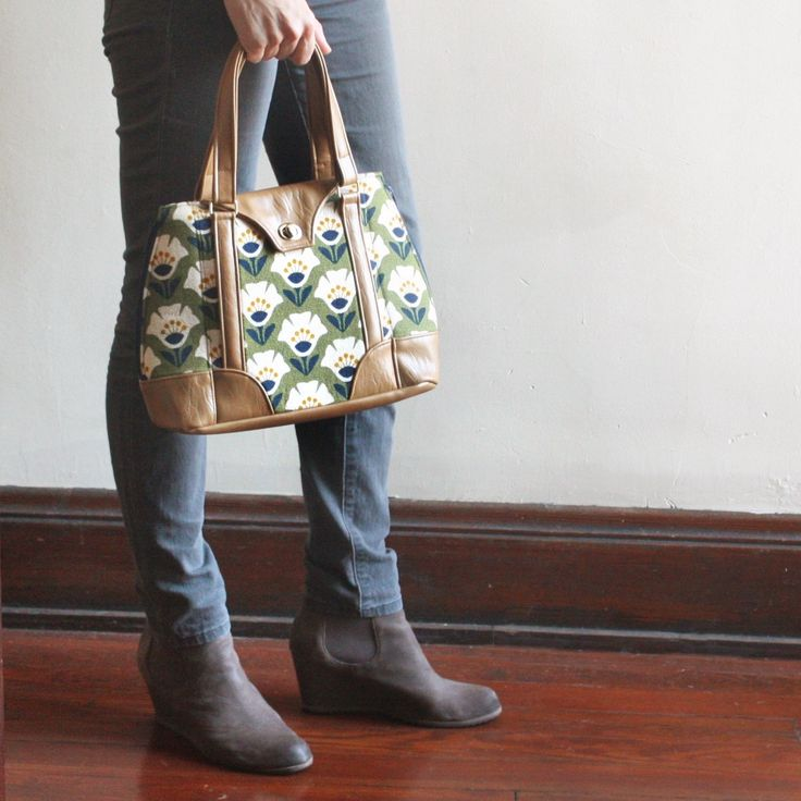 """""""Garden Variety"""" fabric print by Jessica Jones from the Holding Pattern barkcloth collection coming out July 2017. Harriet Expandable Tote made by Grandma G from a sewing pattern by Swoon Patterns."""