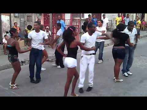 Maykel Fonts - Salsa - baila Cuban style -  Exciting Salsa ! - YouTube