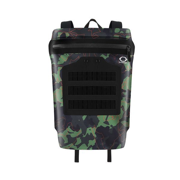 O-range specialized in light weight and ultra light backpack bags In Italy. Our Apollo product is waterproof and ultra roll top backpack with integrated 3 watt solar charger