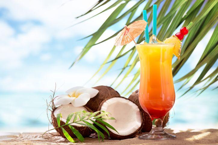Sex on the Beach, storia e ricetta del cocktail dal nome scomodo
