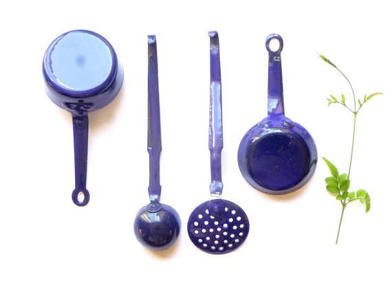 Ustensiles de cuisine miniature en métal émaillé bleu et blanc