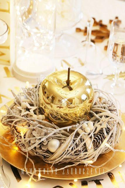 Złote jabłko, świąteczny stół, Mimowolne Zauroczenia-blog, Elegant gold holiday dining room decorations