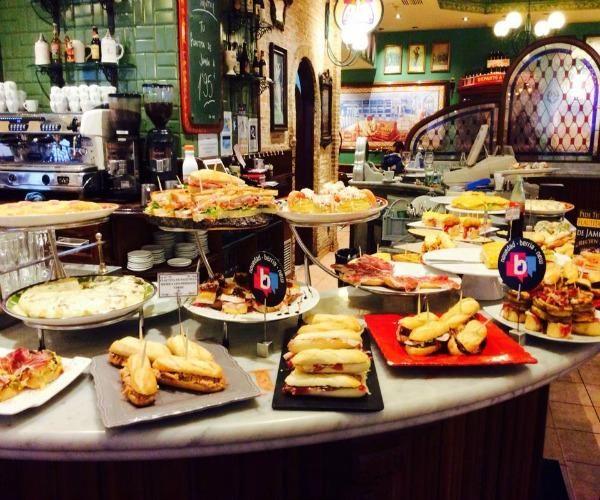 Restaurantes en Bilbao para ir con niños. Bilbao es una ciudad que cuenta con numerosas actividades de ocio para los más pequeños de casa. Si tienes pensado hacer una escapada a Bilbao es aconsejable que planifiques bien cada...