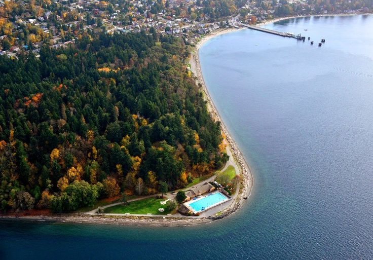 Puget Sound surrounds heated salt waters of COLMAN POOL. Tip of LINCOLN PARK, at 8603 Fauntleroy Way SW, W Seattle. Pool open Memorial-Labor Day.