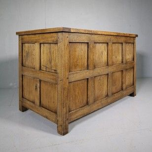 Quality Cotswold School Oak 1930's Panelled Box. - Decorative Collective
