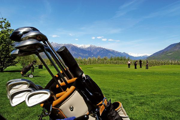http://www.dolcevitahotels.com/golf-south-tyrol.en.htm Golf Clubs in South Tyrol