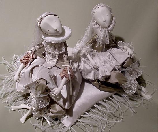 Dnes by som vám chcela ukázať porcelánové bábiky ruskej umelkyne menom Inga Ivashchenko (asi Ivaščenko po našemu:-). Samozrejme, že má umelecké vzdelanie a úspešnú kariéru, vystavuje v galériách a...
