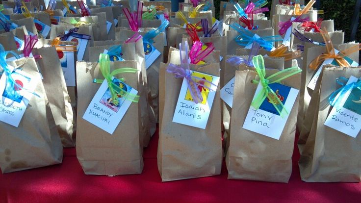 Tradicional mexican candy bags with loteria carecters and guest name
