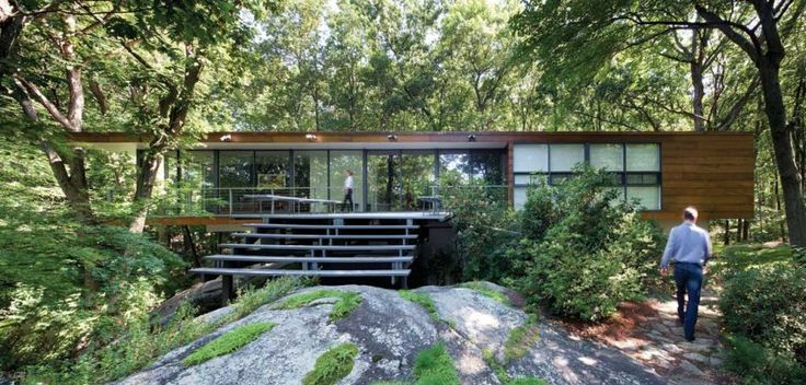 """make it relate to the site: """"Rado Redux"""" (Armonk, New York), a renovation by Peter Gluck and Partners."""