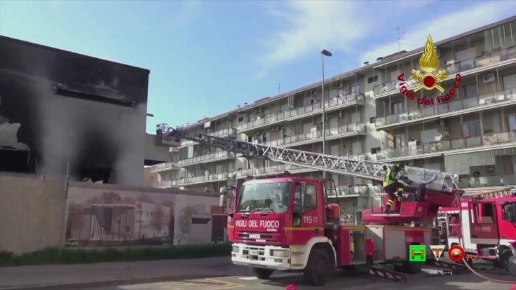 Vigili del Fuoco - Scandicci (FI) - Incendio nel cantiere nuova sede del...