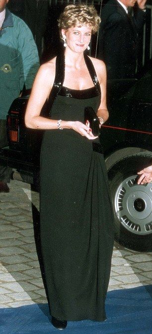 Catherine Walker black halter-neck, Diana wore at dinner at the Versailes in Paris in November 1994.