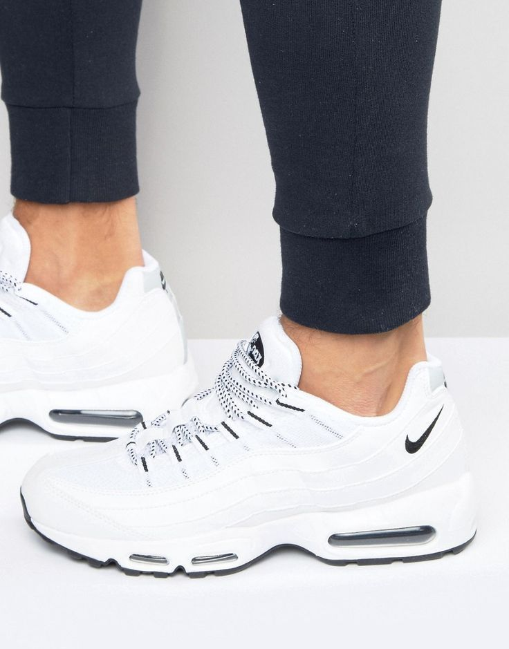 Nike Air Max 95 Trainers In White 609048 109