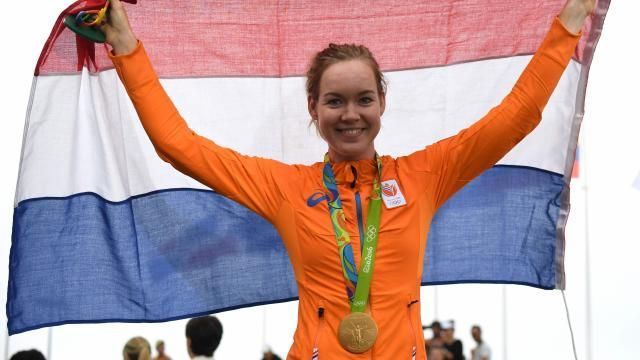 Wielrenster Van der Breggen bezorgt Nederland eerste gouden medaille | NU - Het laatste nieuws het eerst op NU.nl