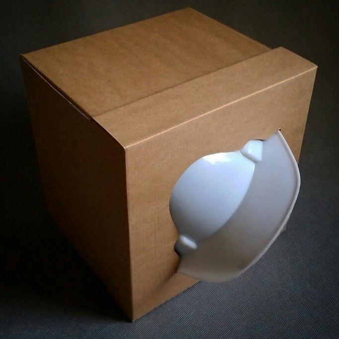 Pudełko wykonane z tektury falistej na kask budowlany.  #induplo #pudełka #ztektury #tektura #reklamowe #reklama #nadruki #sitodruk #silkscreen #screenprinting #serigrafia #box #boxes #kask