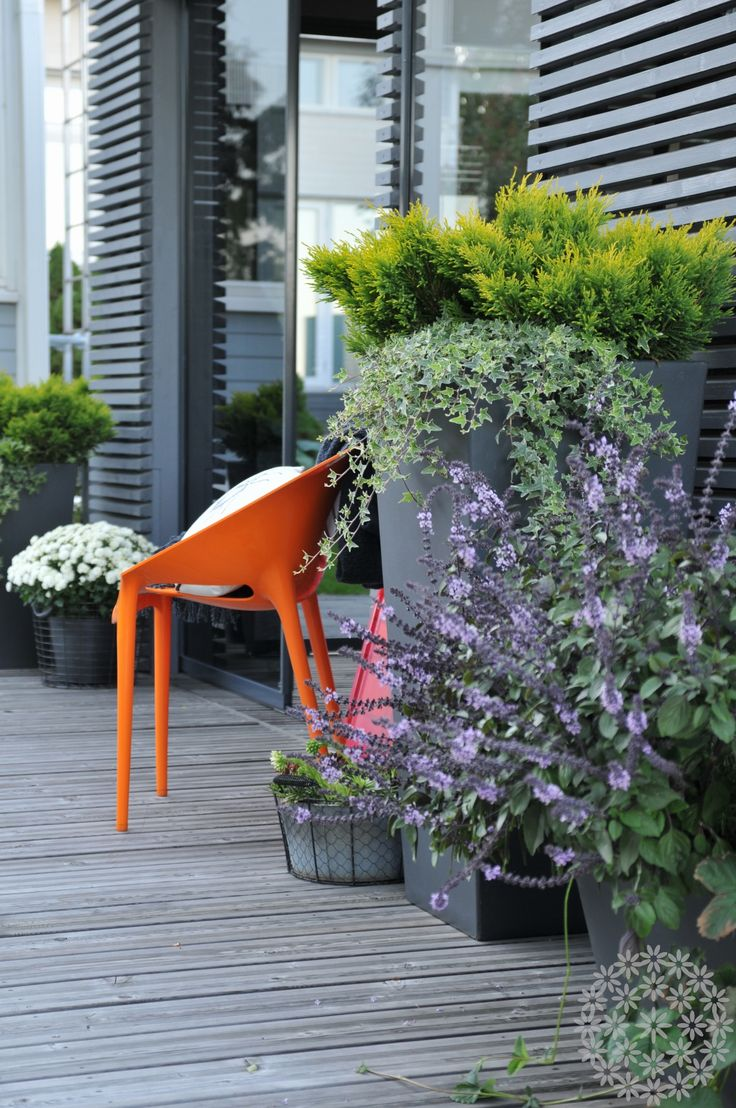Group planters on your terrace. www.puksipuu.com