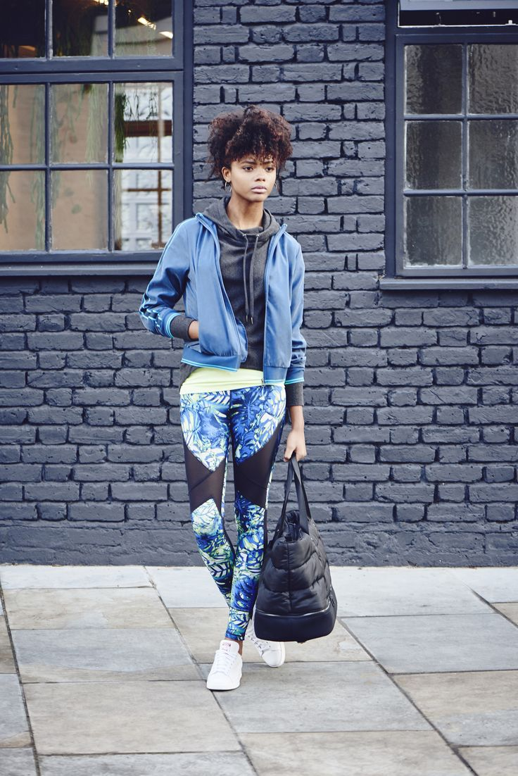 You can't beat reversible leggings and shades of bluE #REVERSEIT