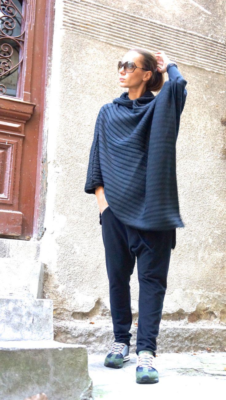Nuovo grigio con cappuccio Maglia Poncho / stravagante completamente maglia asimmetrica Hoodie / maglia Top calda lana / Oversize Top di AAKASHA A08056 di Aakasha su Etsy https://www.etsy.com/it/listing/253074660/nuovo-grigio-con-cappuccio-maglia-poncho