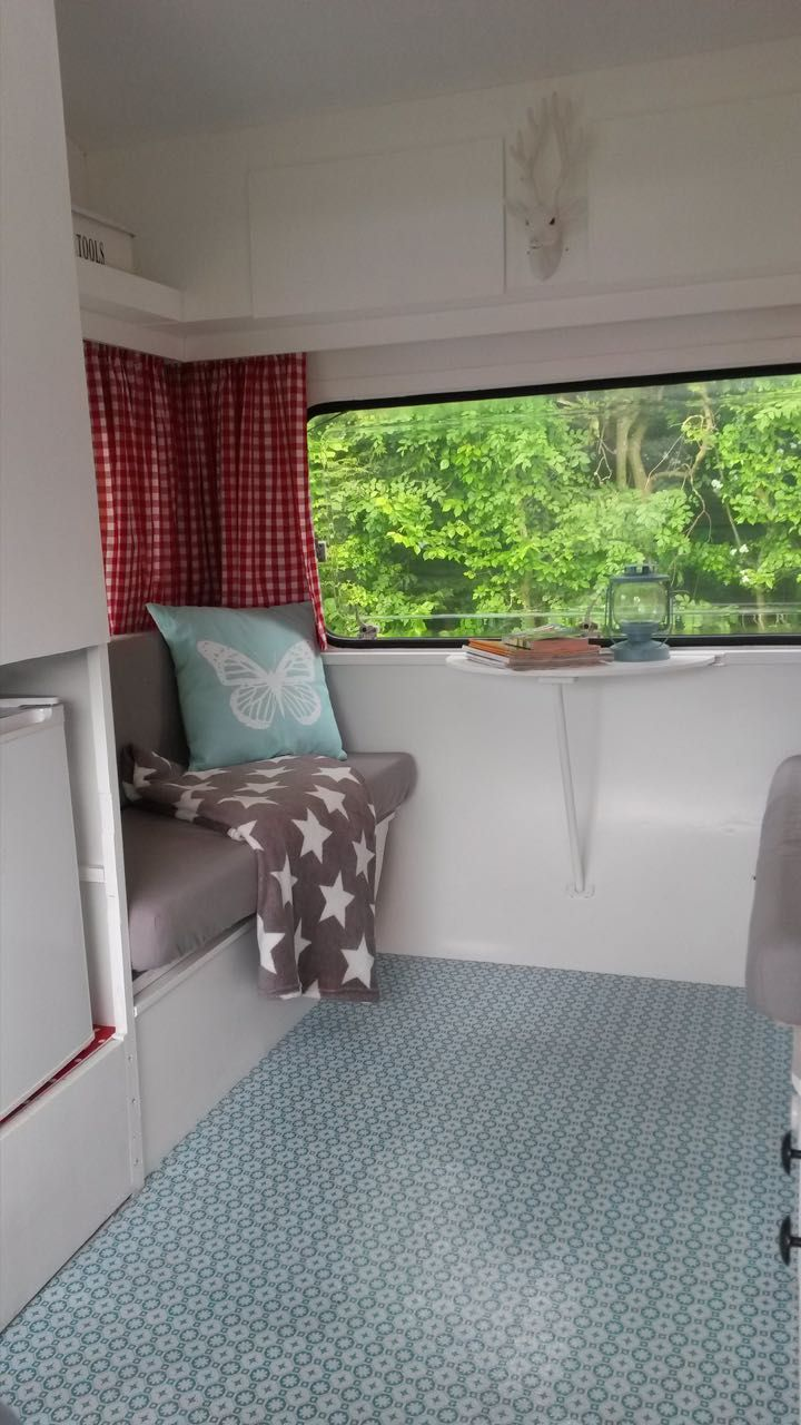 Retro camper curtains - Like Check Curtains And Smaller Table Hippe Caravan 3 Caravanity