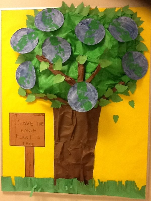 My bulletin board for earth day and arbor day. The kids painted paper plates blue, then used hand prints with green paint for continents. The tree trunk is construction paper. I used dye cut leaves and bulletin board paper for the top of the tree.  I also stuffed newspaper behind it  to create 3D look: Crafts For Kids, Hands Prints, Trees Trunks, Tops 20, Kids Paintings, Earth Day, Paper Plates, Green Paintings, Construction Paper