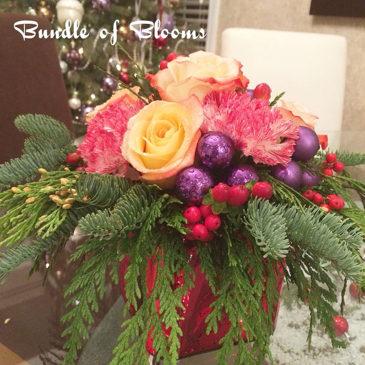 Cheers to this lady-ish Christmas arrangement.