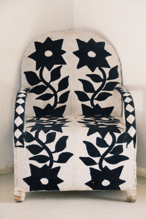 sandylamu:  Yoruba beaded chair, Lamu Island. Photo Sandy B