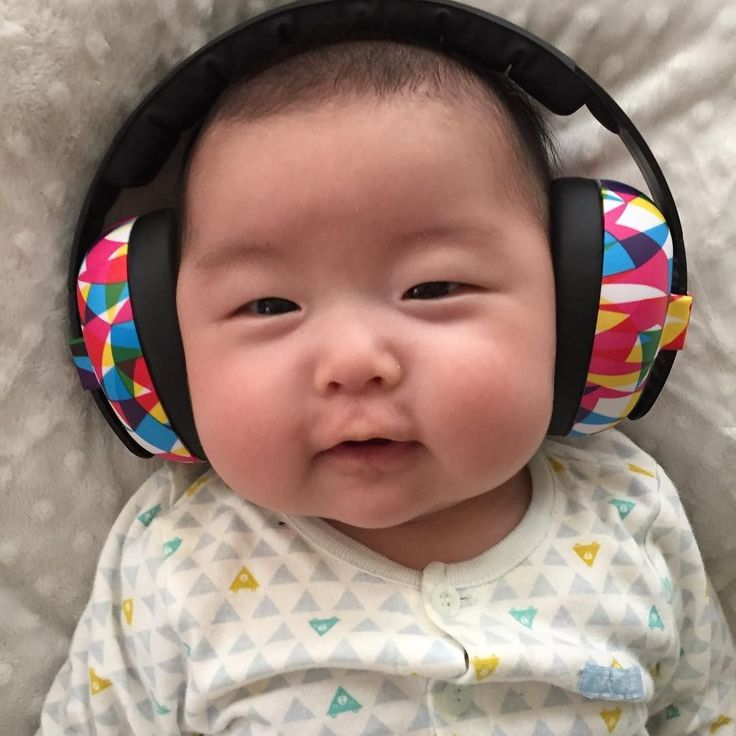 Mini Muffs in Geo - they must be comfy, babies are happy to wear them!  (  @sunwoo_family_mommy via @latermedia )