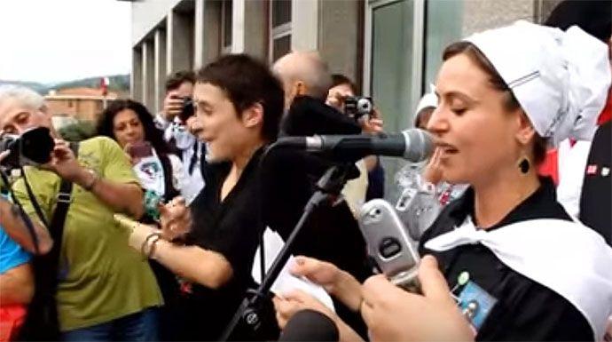 """Itziar Ituño se busca la ruina: aparece un vídeo de la actriz al etarra """"Txus"""