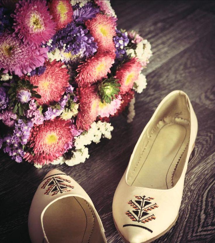 #iutta #flowers #folkart #traditional