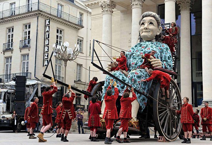 Vielle Geante (Old Giant), a puppet in the Royal de Luxe street theatre production Le Mur de Planck