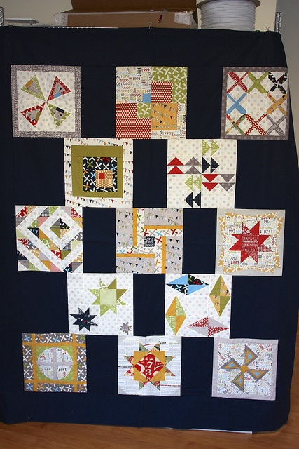 Reunion Quilt by Cindy of Daisy Days /  Pink chalk studio. Block from the Modern Blocks book by Susanne Woods