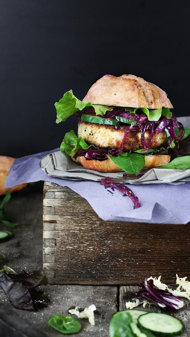 Camembert Blast Burger with Onion Chutney Camembert Burger mit Zwiebel-Chutney (KptnCook)