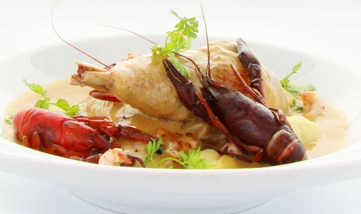 Poulet « pattes bleues » aux écrevisses, sauce Nantua à savourer au restaurant parisien le Gallopin (75002) #food #poulet #ecrevisses #nantua
