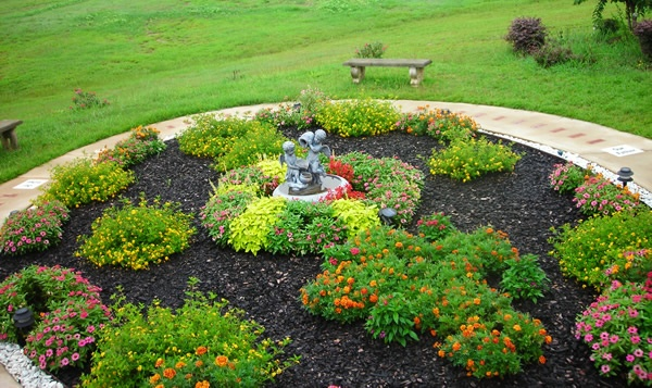 45 best images about rosary walk on pinterest for Rosary garden designs