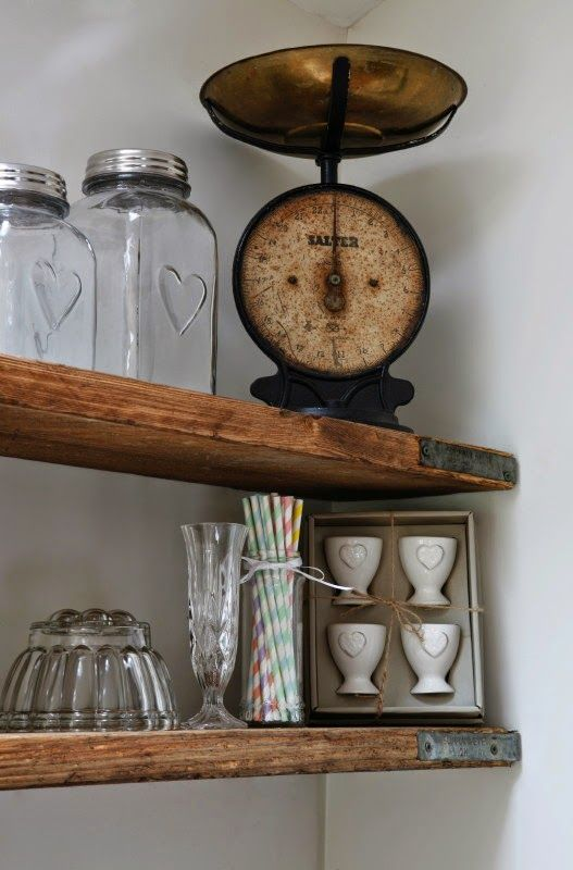 http://www.rosesandrolltops.co.uk/2015/02/makeover-scaffold-board-shelves.html