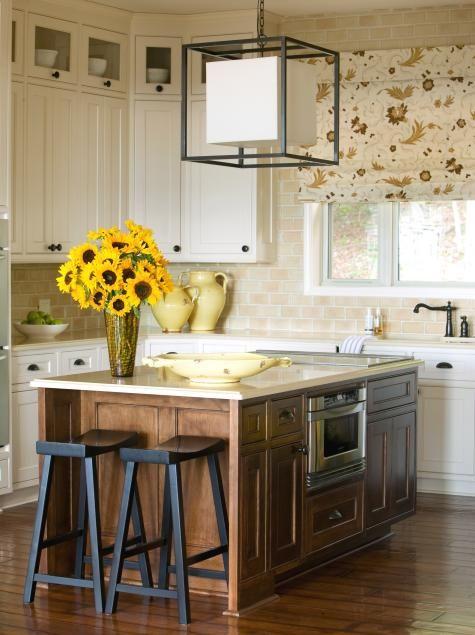 15 Cottage Kitchens | DIY Kitchen Design Ideas - Kitchen Cabinets, Islands, Backsplashes | DIY