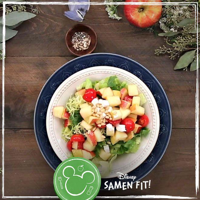 Eén hap van de betoverende appelsalade van Sneeuwwitje en je wilt nooit meer iets anders eten. Dit is het perfecte lunchgerecht.