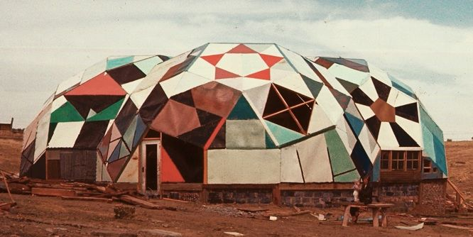 Geodesic dome The Complex. Drop City's centerpiece was a structure made of three 40-foot fused rhombicosidodecahedra. The Complex served as a community kitchen, workspace and visitor's area. The building was created from salvaged materials and covered with car tops, and cost the community approximately 200 dollar.: Hippie House, Centerpiece, Hippie Commune, Building, 1960S, Cars, Abandoned Hippie, 1965, Abandoned Places