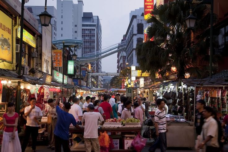 The famous Petaling Street (Chinatown) Nightmarket in KL- shopping?!  #MalaysiaAus   #AirAsia