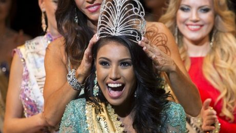 Ashley Callingbull, First Nations woman, crowned Mrs. Universe (CBC News 31 August 2015)