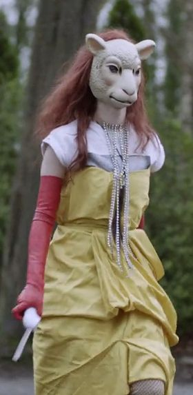 black mirror season 2 episode 2 white bear . I want to be this Hunter chick / actress for Halloween! With the electric carving knife, hair necklace and everything! My first Netflix inspired costume !! I think it's a pretty good redhead costume & awesome scary/ horror costume !