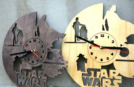Vintage Wanduhren - Valentinsgruß-Geschenk-Star Wars Wand-Holz-Uhr - ein Designerstück von Enjoythewood bei DaWanda