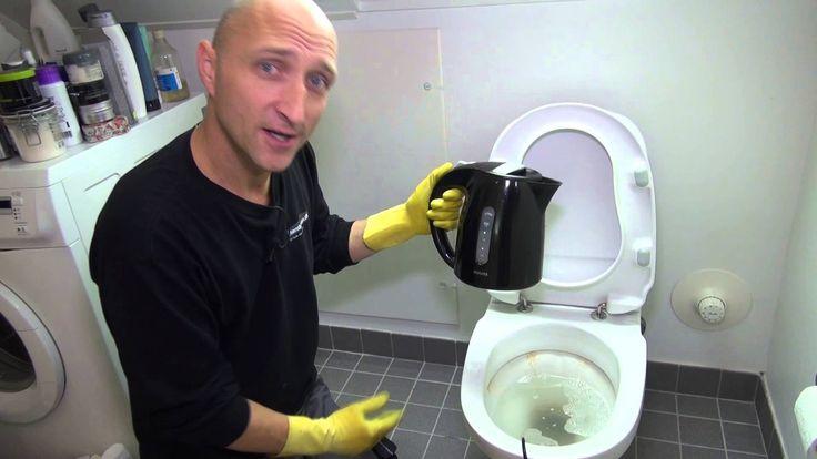 Her kan du se hvordan man let kan afkalke og rense sit toilet, uden at få sved på panden.