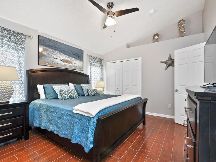 Welcome to «CELEBRATION VILLA» Orlando Florida 5 mins to Disney World / 15 mins to Universal Studio TheLuxuryVillasOrlando: http://www.theluxuryvillasorlando.com/Page_2.html VRBO: https://www.vrbo.com/764845
