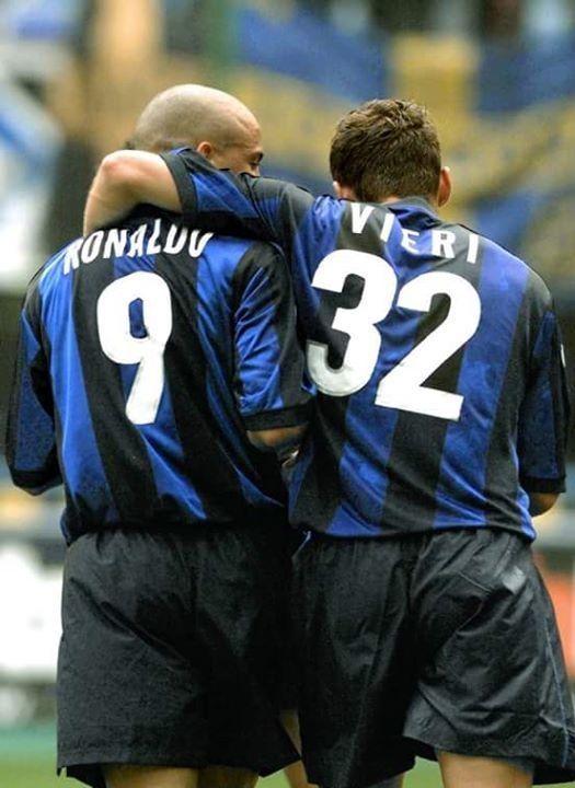 Znakomici napastnicy kiedyś w Interze Mediolan • Ronaldo i Christian Vieri straszyli obrońców w Serie A • Zobacz zabójczy atak >> #ronaldo #inter #football #soccer #sports #pilkanozna