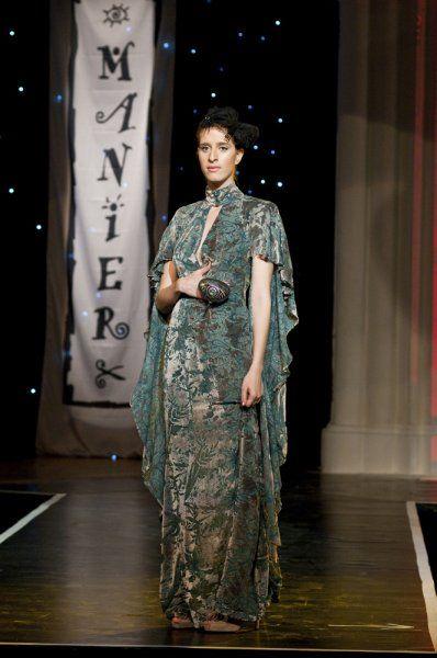 Gyűrű kavics táska. Gere Márti - Ejha! Táska a Mainer Haute Couture Szalon bemutatóján az Iparművészeti Múzeumban. Manier - Fotógaléria - Manier - Let's misbehave 2010 ősz-tél