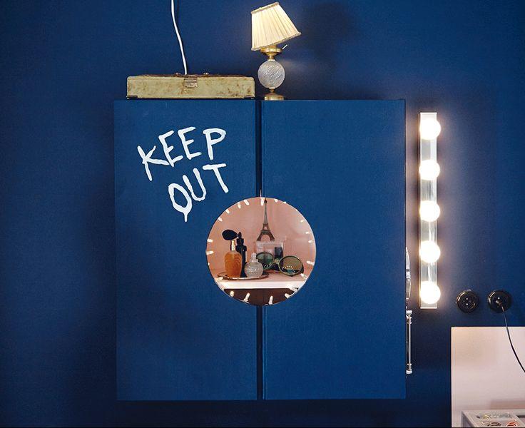 GIF obrázok otvárajúcej a zatvárajúcej sa skrinky IKEA IVAR.