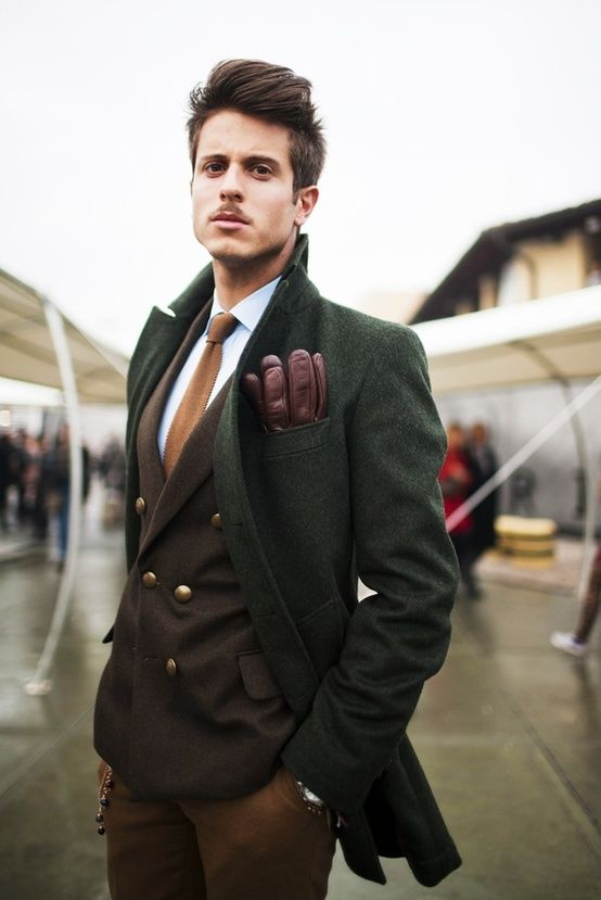 This look, so chic. Minus the Hitler/Chaplin 'stache  http://greatlookinggentlemans.tumblr.com/